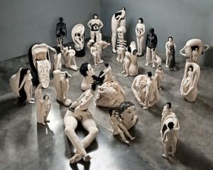 """Instalación """"Zurciendo"""" de Miriam Medrez"""