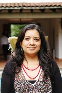 Laura Romero, ganadora de la BECApara Mujeres en las Humanidades y las Ciencias Sociales de la Academia Mexicana de Ciencias, consideró que el tema de la discapacidad no debe ser reducido al ámbito de lo médico y lo biológico, porque en muchas comunidades indígenas tiene además otros significados. Foto: Elizabeth Ruiz Jaimes/AMC.