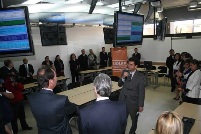 Nuevos laboratorios en la UDLAP : Fotografía, Aplicaciones Móviles, Simulación Financiera y Sala de Juicios Orales