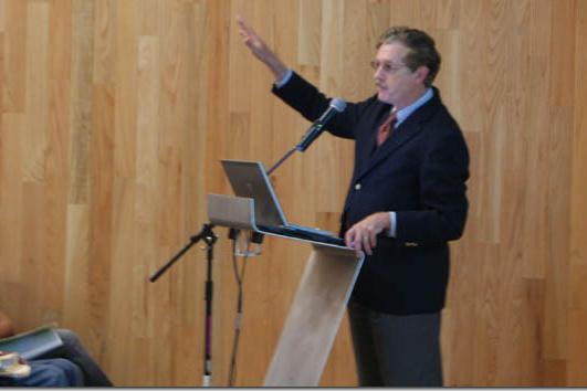Sólo 20 por ciento de los investigadores en México trabajan para la industria: Director del Conacyt