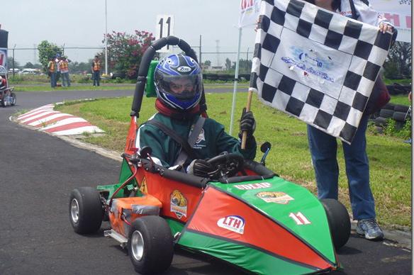 Escudería Jaguar de la UDLAP continúa en primer lugar después de la cuarta fase del campeonato Electratón