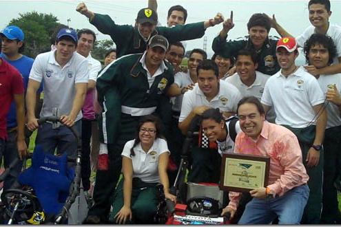 Escudería Jaguar de la UDLAP en primer lugar de la competencia Electratón 2010