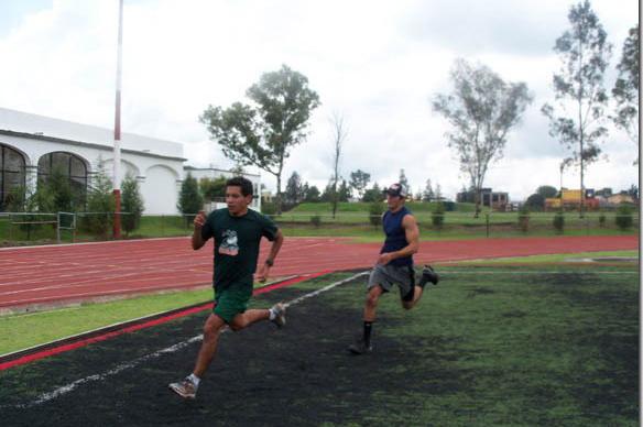 Equipo de atletismo de la UDLAP se refuerza para nacionales de 2011