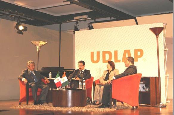 UDLAP inde homenaje a Efraín Castro Morales