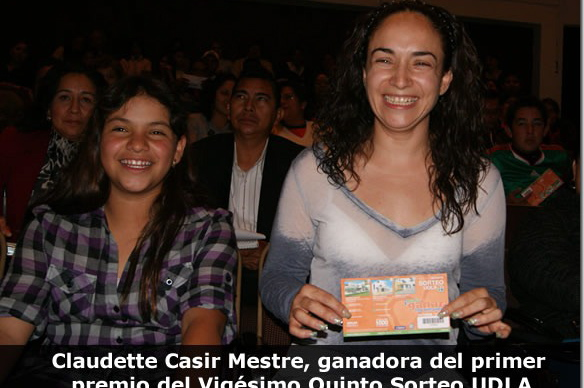 Claudette Casir Mestre, ganadora del primer premio del Vigésimo Quinto Sorteo UDLA