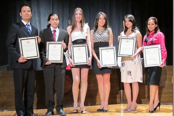 Estudiantes y académicos de la UDLAP reciben la distinción Scholar UDLAP 2010