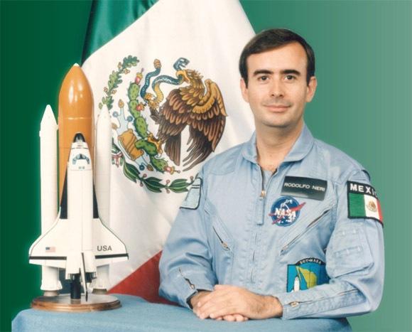 Conferencia del Dr. Rodolfo Neri Vela en la UDLAP