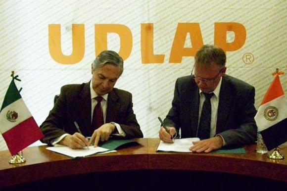 UDLAP y Colegio Humboldt firman convenio de colaboración