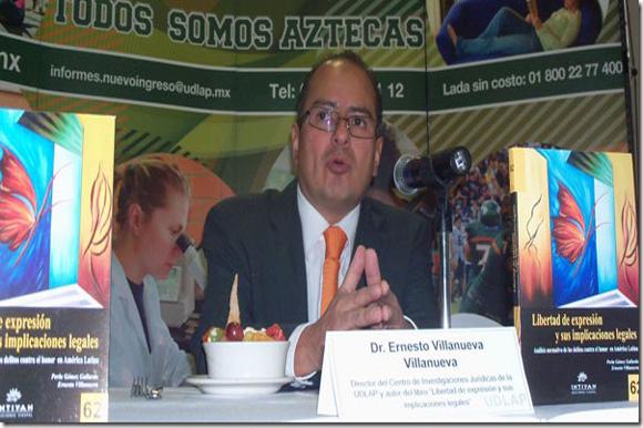 """Académico de la UDLAP presenta el libro """"Libertad de expresión y sus implicaciones legales"""""""