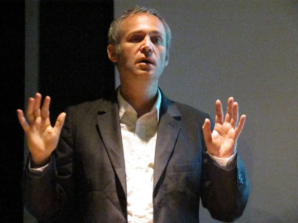 Reinventar el periodismo, reto de la era digital: Jean-Christophe Rampal