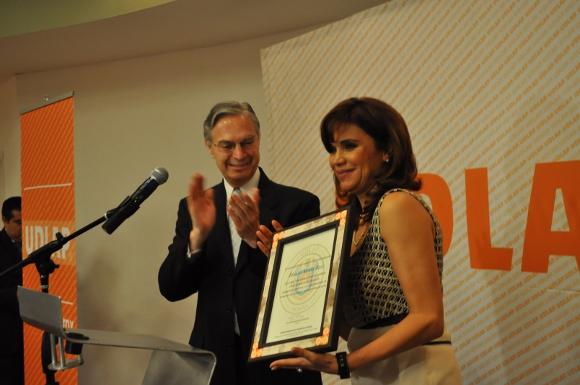 UDLAP reconoce trayectoria académica y profesional de exalcaldesa de Puebla