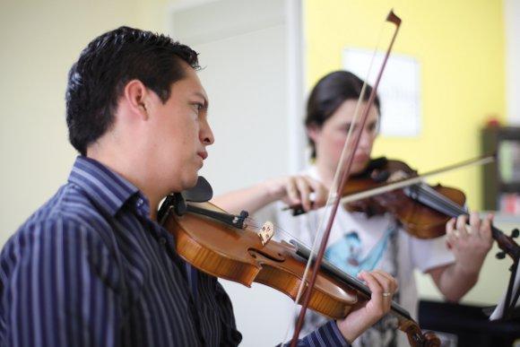 """""""Artes revueltas"""", la música al alcance de la infancia, egresado UDLAP"""