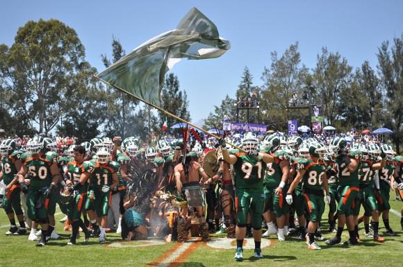Primer victoria de Aztecas en la temporada 2011 de la CONADEIP