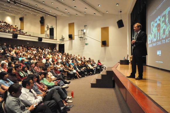 Las ideas mueven al mundo, mueven economías: Roemer