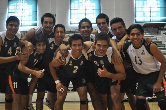 En 3 sets Aztecas de voleibol obtienen su primera victoria.