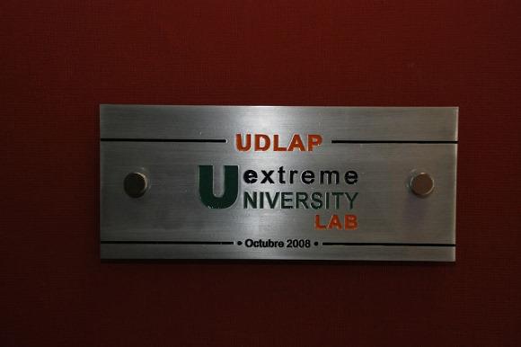 "Alumnos de la UDLAP reciben beca para curso ""ExtremeWare CLI Configuration and Basic Troubleshooting""  de la compañía Extreme Networks."