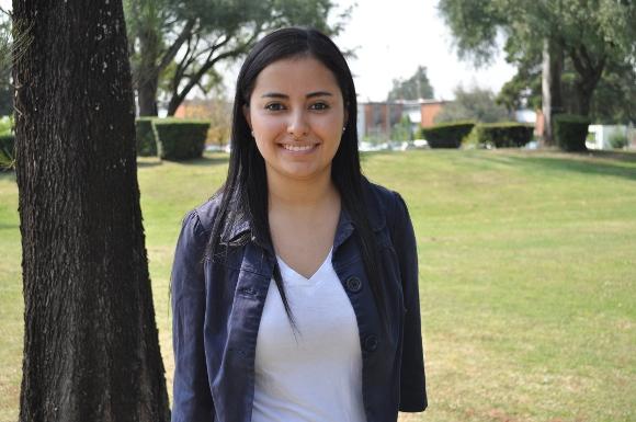 Estudiante de la UDLAP participa en Consulado General de México