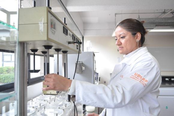 Académica UDLAP es nombrada presidenta de la Asociación Mexicana de Farmacéuticos de Hospital