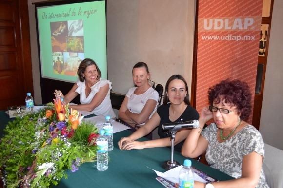 Mesa redonda en la UDLAP a propósito del Día Internacional de la Mujer