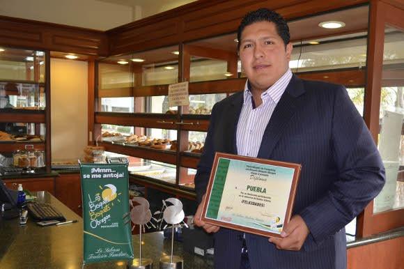 Egresado UDLAP fue galardonado por FEMSA