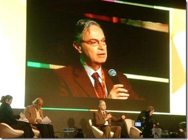 Dr. Luis Ernesto Derbez Bautista invitado especial Sistema UNO