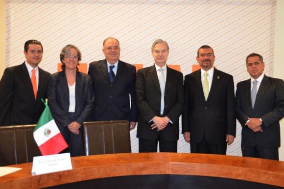 UDLAP y Tribunal Electoral del Estado de Puebla firman convenios de colaboración