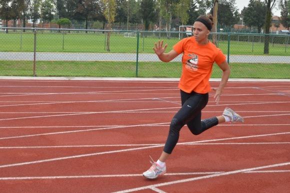 4 medallas cierran la temporada para el atletismo Azteca