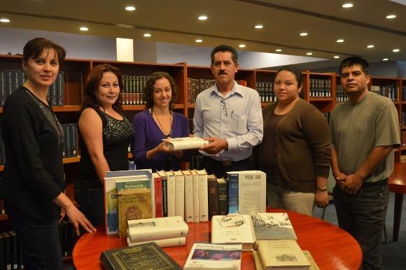 La UDLAP donó textos académicos y literarios a la Fundación Elena Poniatowska