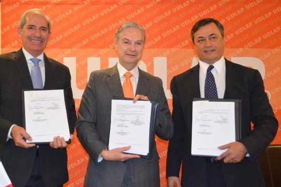 UDLAP firma convenio con la CMIC Delegación Puebla y Coatzacoalcos