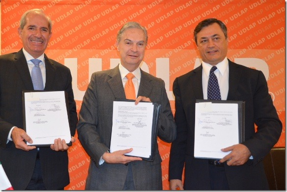 UDLAP firma convenio con la CMIC Delegación Puebla  y Coatzacoalcos -2