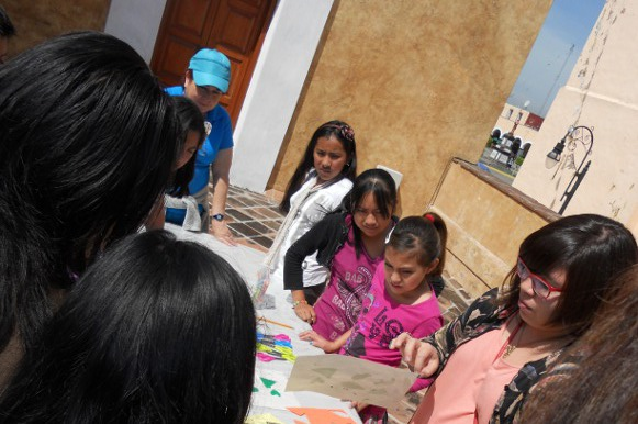 Casa del Caballero Águila de la UDLAP imparte taller de gráfica a niños de Cholula