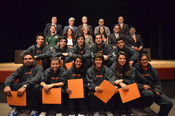 UDLAP premió a sus estudiantes-deportistas con mejor promedio