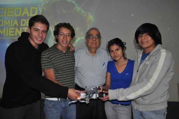 Estudiantes de la UDLAP obtienen 2do lugar estatal en concurso de robótica