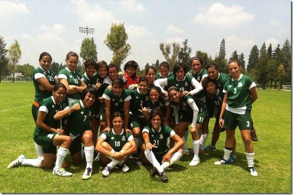 Aztecas de soccer golean en su debut en Liga Mayor a Lobas BUAP