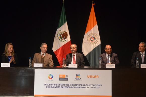Puebla tiene 100 por ciento de cobertura a nivel primaria y 70 por ciento en educación media superior
