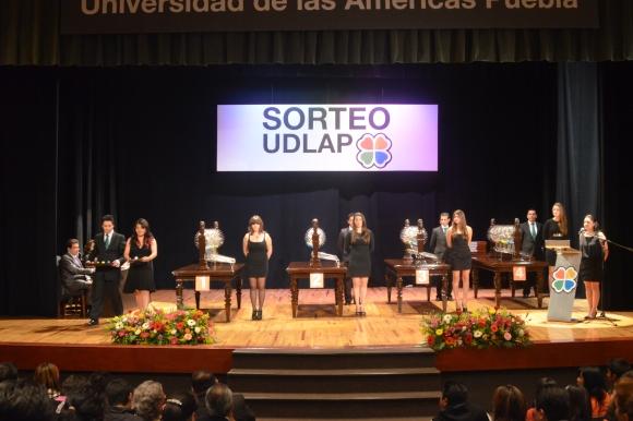 Vigésimo Séptimo Sorteo UDLAP 2012 rifó 500 premios