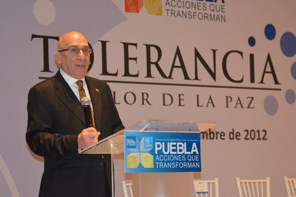 Un conflicto beneficia a la sociedad al promover un cambio: Embajador Steger Cataño