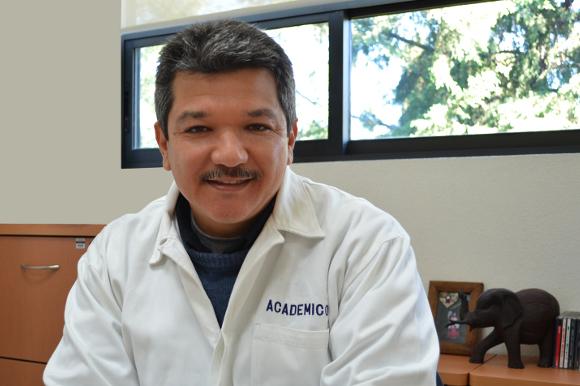 Otorgan a académico de la UDLAP, Premio Estatal de Ciencia y Tecnología 2012