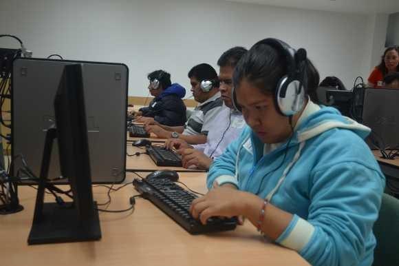 La UDLAP y Microsoft México certifican a personas con discapacidad visual
