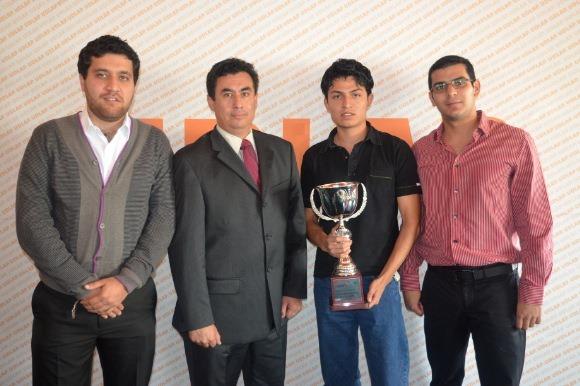 Escudería Aztecas UDLAP campeón nacional del Electratón 2012