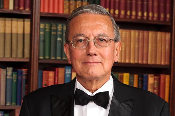 Catedrático UDLAP obtiene condecoración de la American College of Physicians