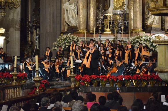 UDLAP viste de cantos navideños a la Catedral de Puebla
