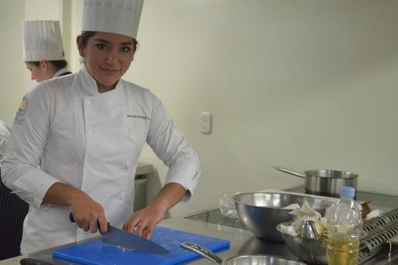 Estudiante de la UDLAP recibe propuesta de trabajo en Café des Artistes