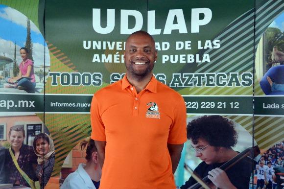 Eric Martin designado como entrenador de baloncesto de la UDLAP