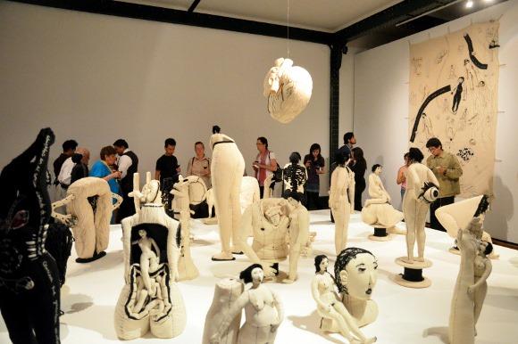 """Capilla del Arte UDLAP presenta exposición """"Cuerpo Ausencia: hilvanando identidades"""" de la artista mexicana Miriam Medrez"""