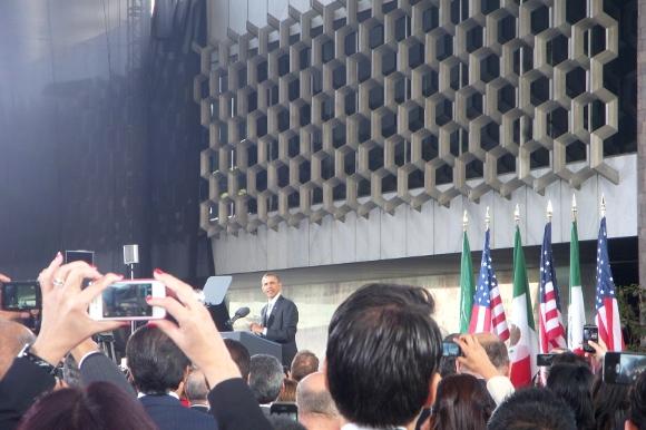 El presidente de EEUU Barack Obama en encuentro con estudiantes.