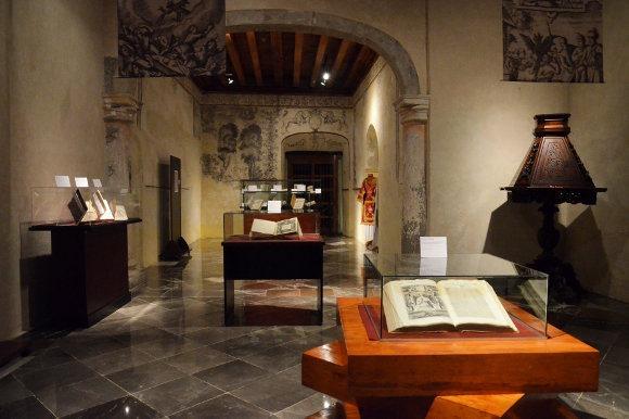 Biblioteca Franciscana comparte acervo bibliográfico en nueva exposición