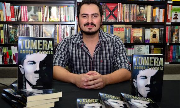 Escritor Manuel Zechinelli presenta Tomera, en la UDLAP