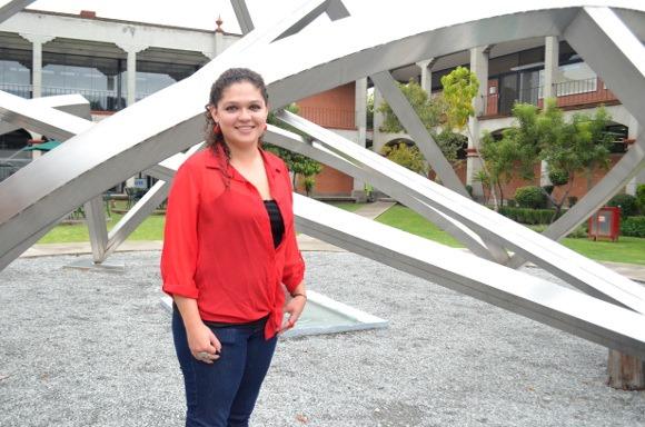 Alumna UDLAP trabajó en el láser más poderoso del mundo en su tipo