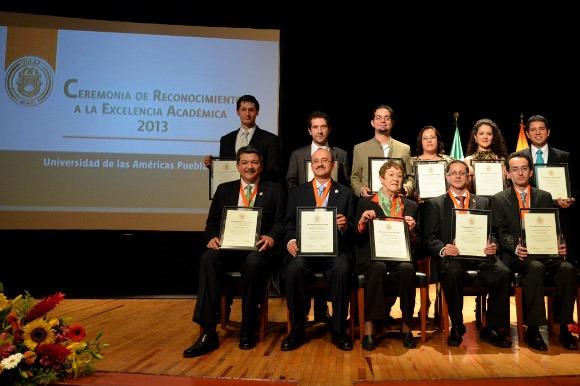 UDLAP entrega reconocimientos a la Excelencia Académica